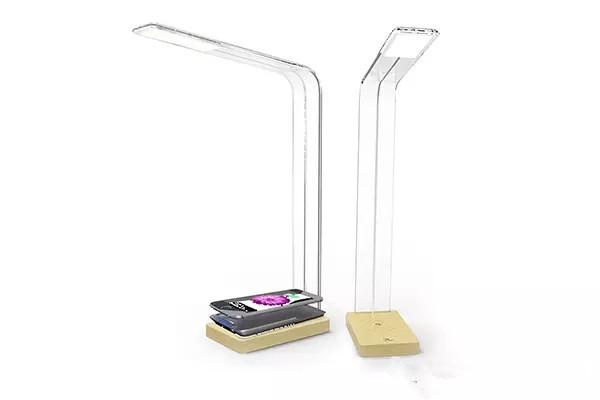 把无线充电与台灯结合在一起,会怎样?