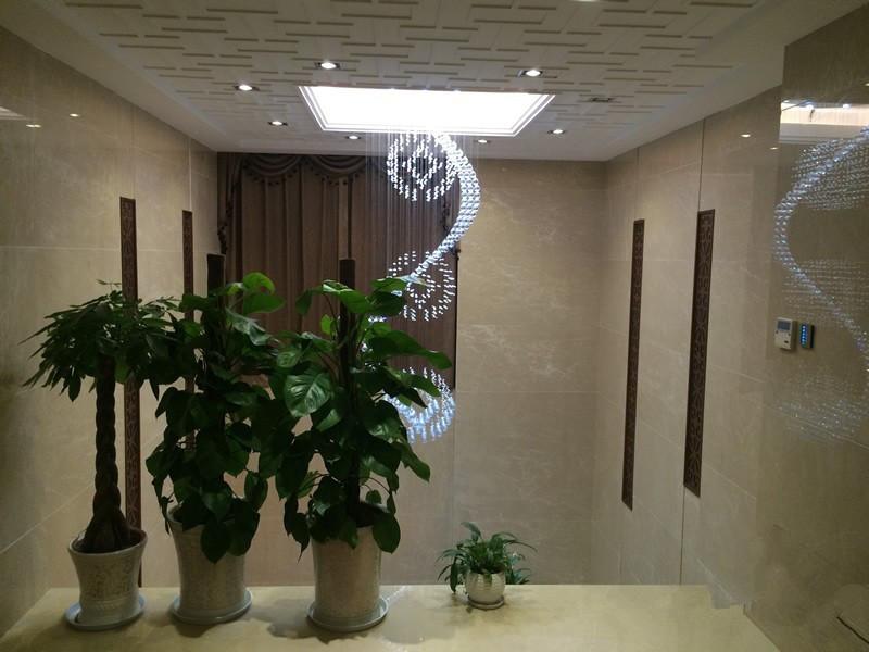 二楼的智能吊灯、智能面板、空调控制