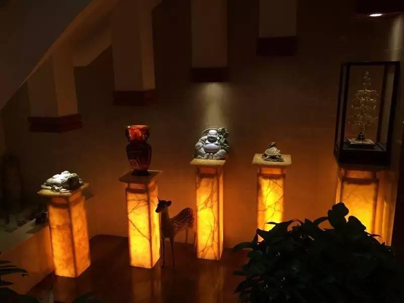 古董展示区的智能照明