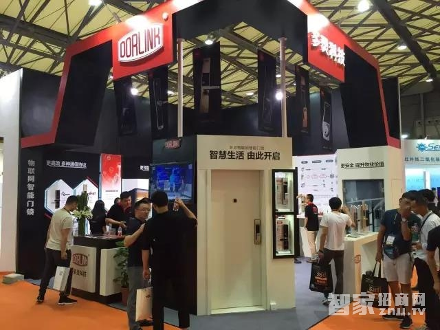 多灵物联网智能门锁引爆2017上海国际智能建筑展览会