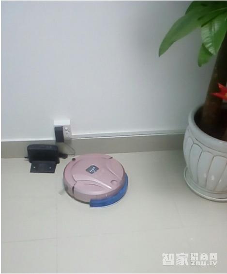 达迪尔智能扫地机器人智能清扫新升级